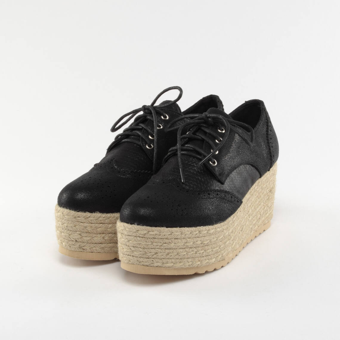 bd5070349301 Small Swan Női Magas talpú Fekete színű - MAGAS TALPÚ - Női cipő ...