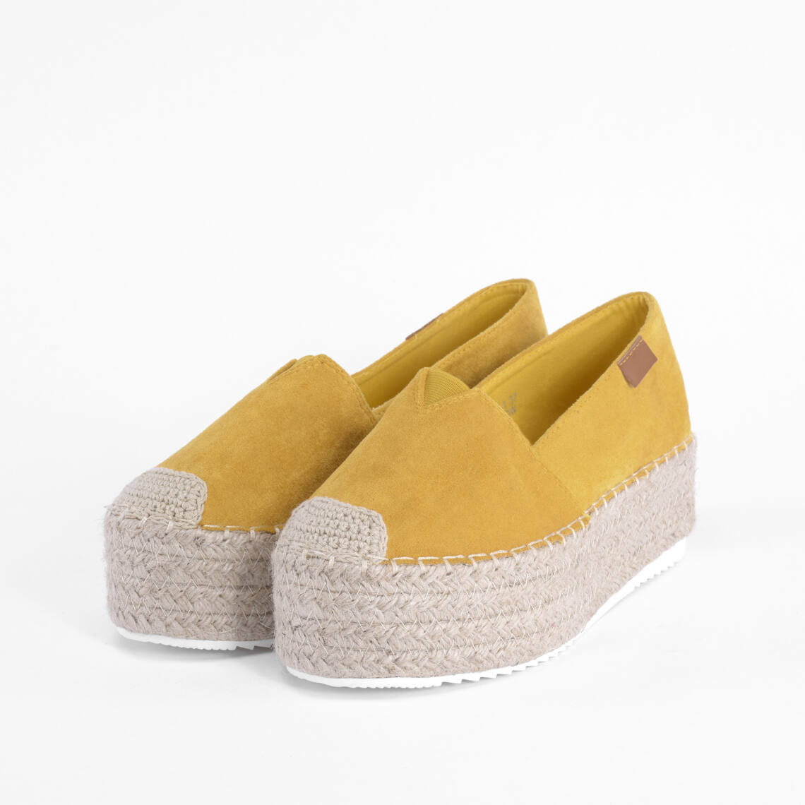 0854677fa466 Komer Sárga Női Művelúr Magas talpú Félcipő - MAGAS TALPÚ - Női cipő ...