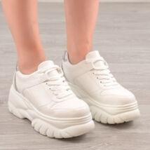 Fehér Magastalpú Női Műbőr Félcipő