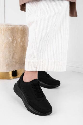 Fekete Egyszínű Női Magasított Talpú Sneaker