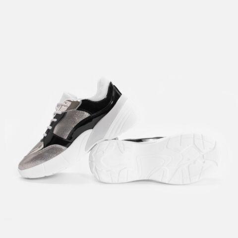 Fekete - Arany Lakk betétekkel díszített sportcipő