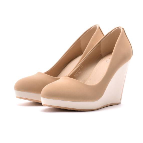 Bézs női művelúr telitalpú cipő