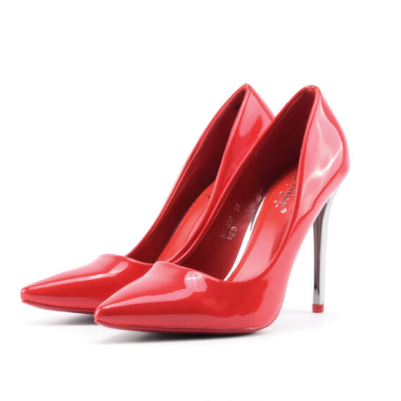 Piros női ezüstös sarkú lakk magassarkú