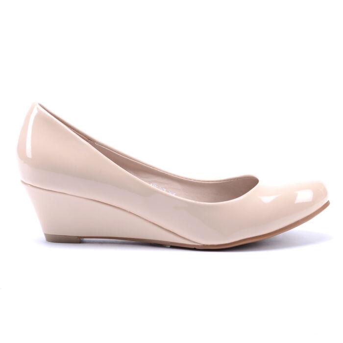 Női Bézs Lakk Törpesarkú - ALKALMI CIPŐK - Női cipő webáruház-női csizmák 02cf47d238