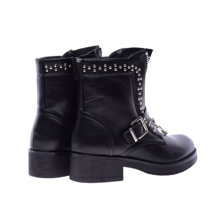 Fekete szegecses női műbőr bakancs - BAKANCSOK - Női cipő webáruház ... 6b912a5100