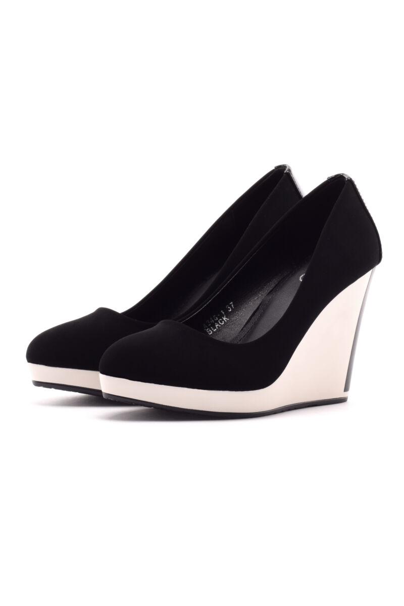 Fekete női művelúr telitalpú cipő