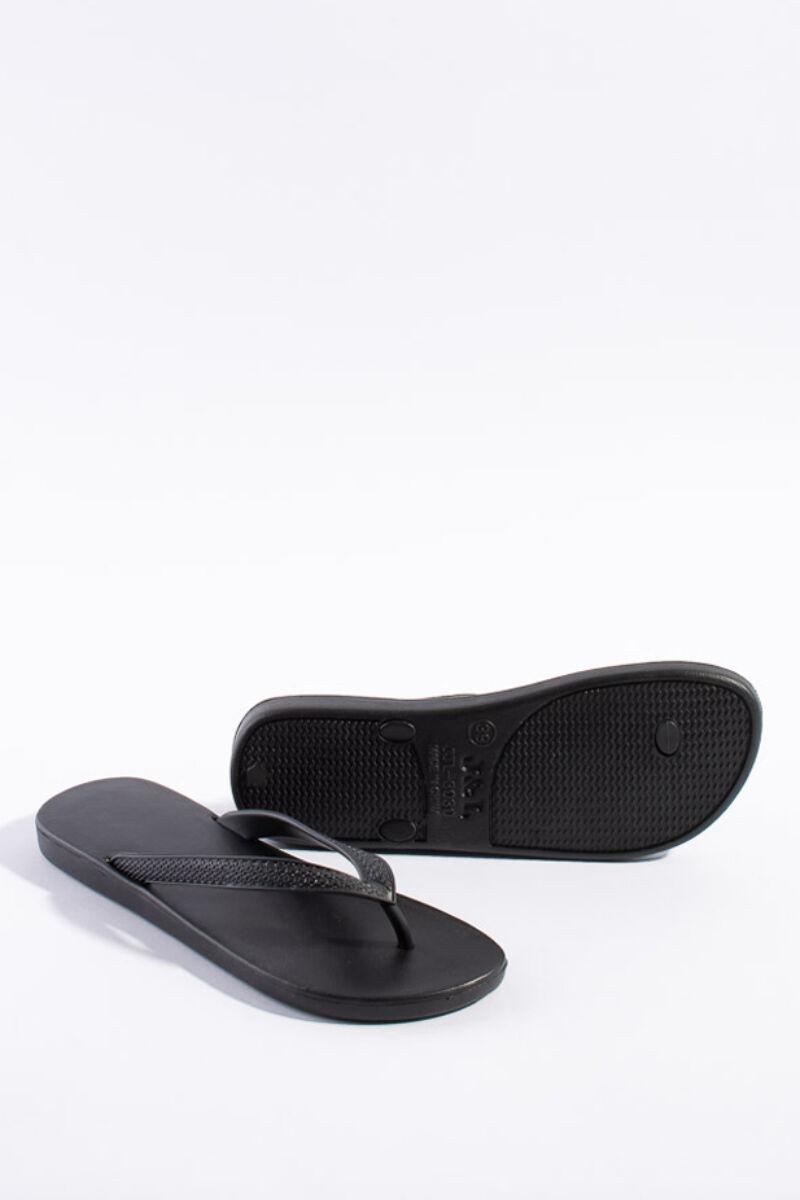 Fekete gumi papucs