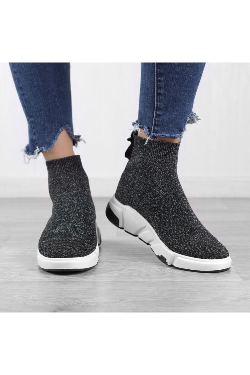 Fekete-Ezüst Csillogós Női Poliészter Slip-On Félcipő