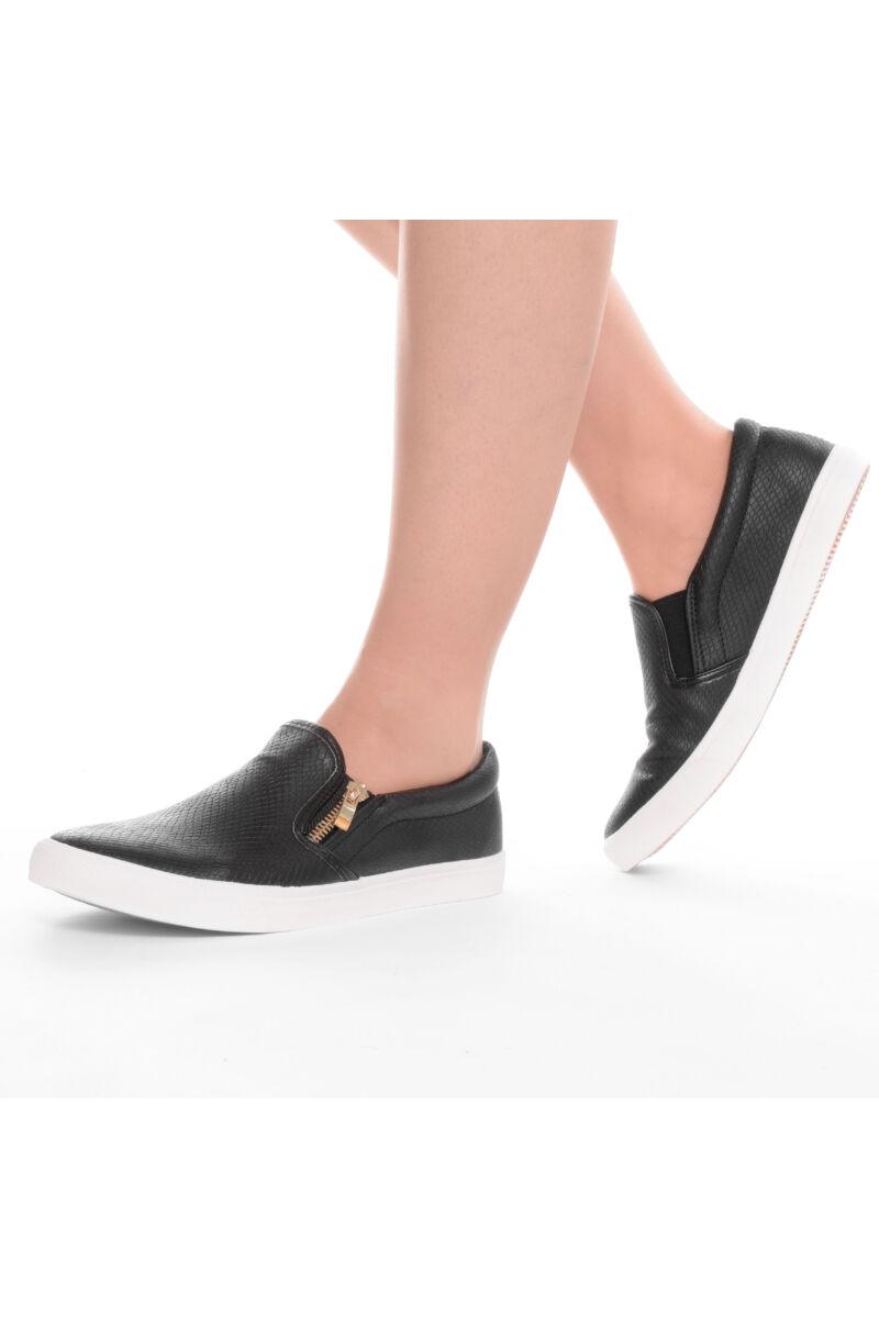 Női fekete slip-on utcai cipő