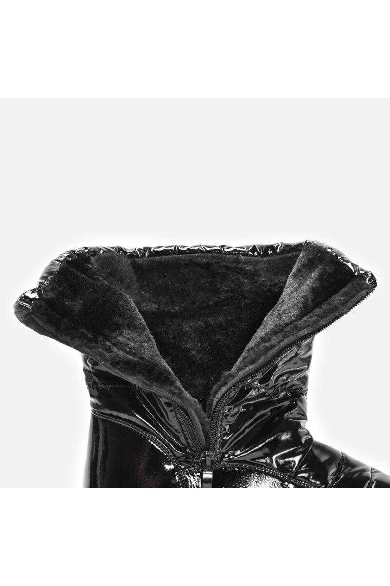 Fekete Bélelt Vízálló Lakk és PVC Hótaposó