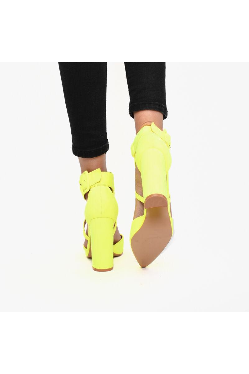 Elegáns Csattos UV-Sárga Művelúr Női Magassarkú