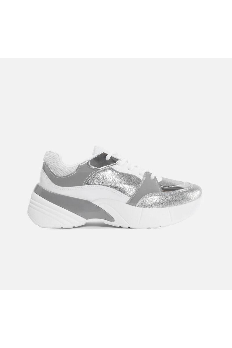 Fehér - Ezüst Lakk betétekkel díszített sportcipő