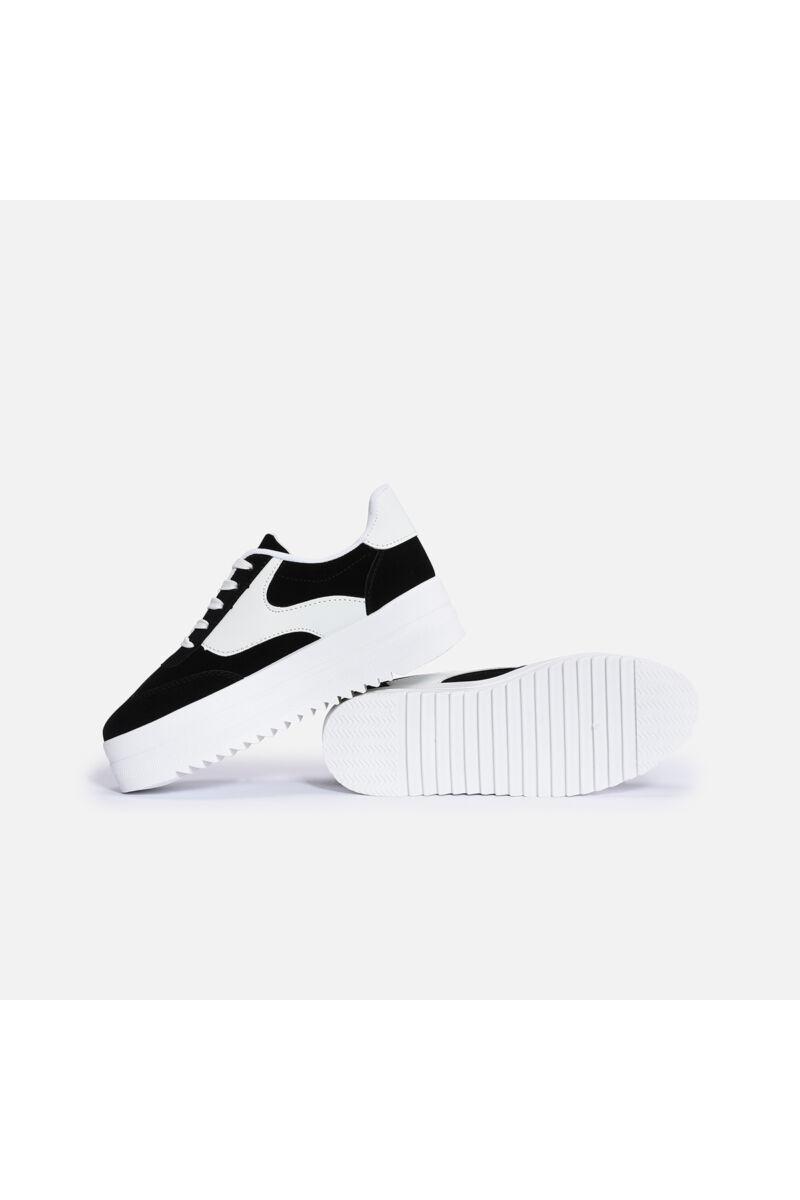 Fekete művelúr-műbőr magastalpú utcai cipő