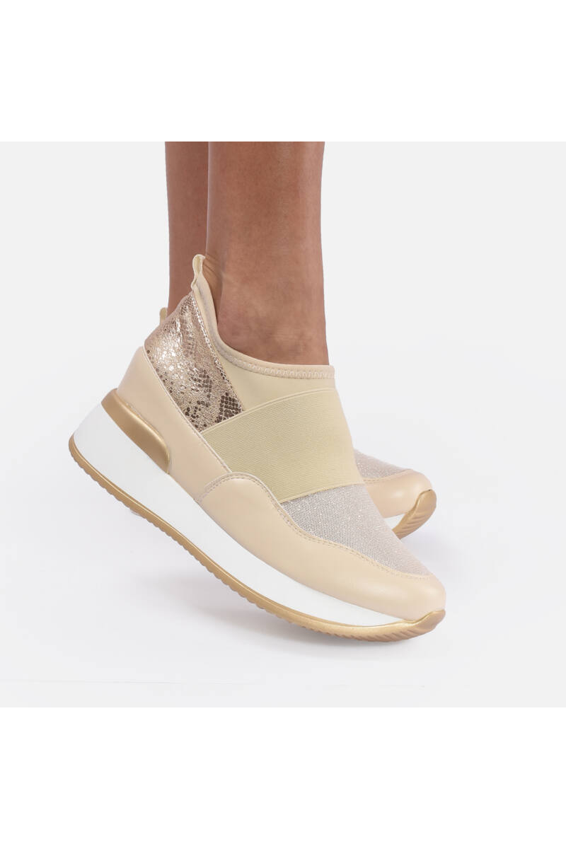 Magasított talpú csillámos bézs cipő