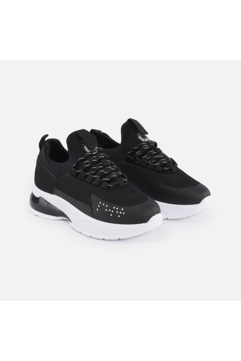 Stílusos fekete sportcipő