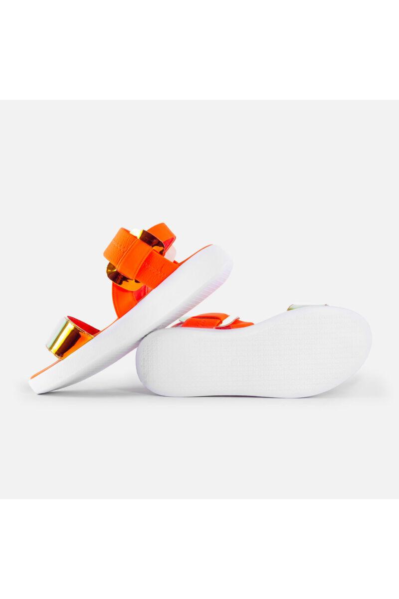 Vastag talpú narancssárga szandál lakkozott orrpánttal