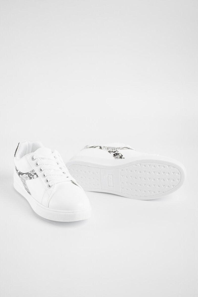 Egyszerű Fehér Utcai Cipő Kígyóbőr Díszítéssel