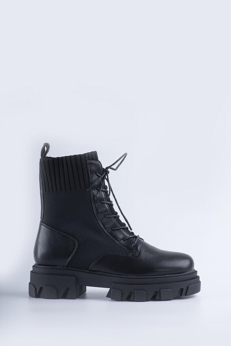 Fekete női zokniszárú bakancs