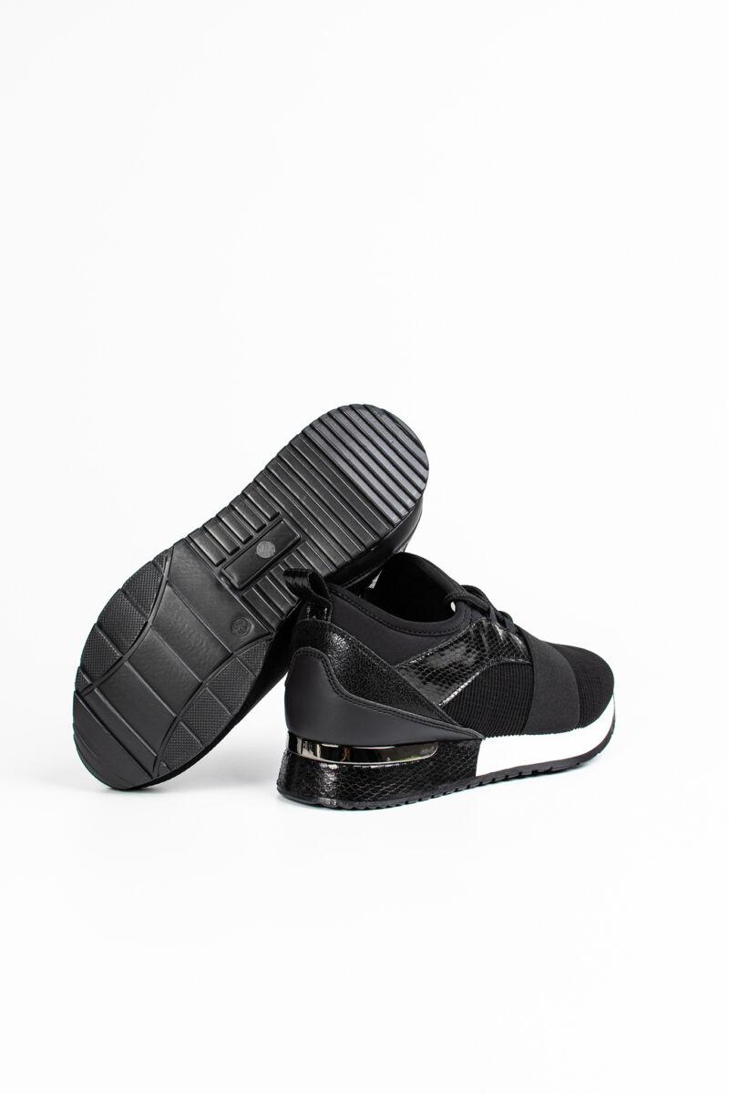 Fekete Színű Műbőr Kígyóbőr Mintás Női Sneaker Cipő