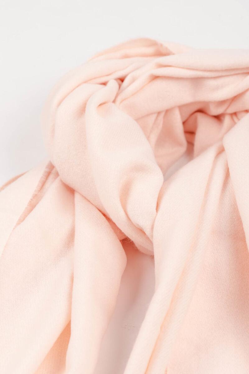 Rózsaszín Csillogó Sapka Pomponnal És Anyagában Virág Mintás Sállal Szett