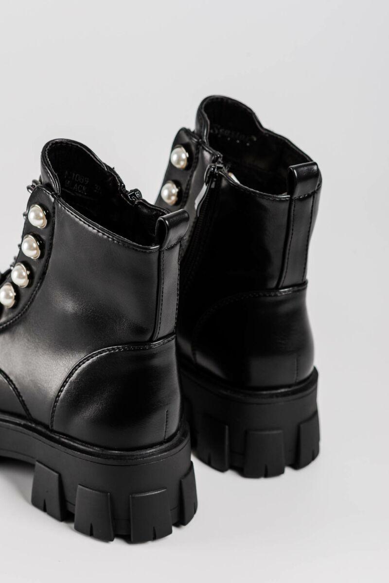 Fekete Női Műbőr Bakancs Gyöngyökkel Lánccal