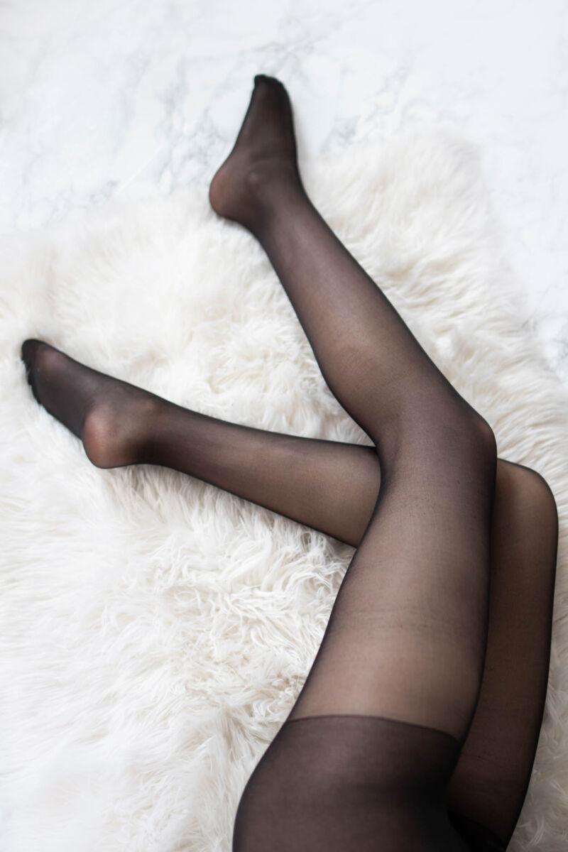 Fekete színű női elasztikus harisnyanadrág