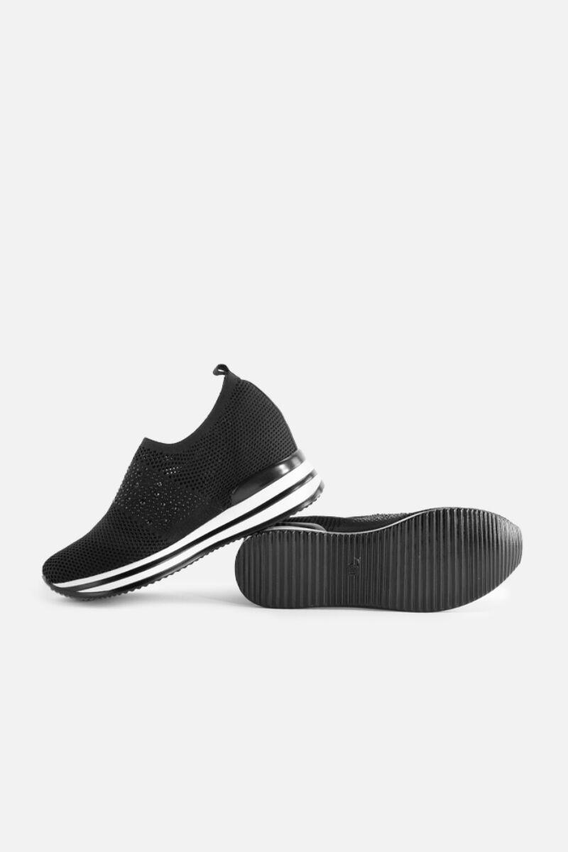 Fekete belebújós gyöngyös hálós rejtett magassarkú utcai cipő
