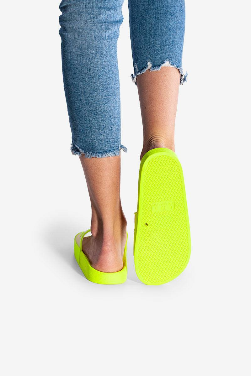 Neonsárga Kényelmes Női Gumi Papucs Feliratos Átlátszó Pánttal