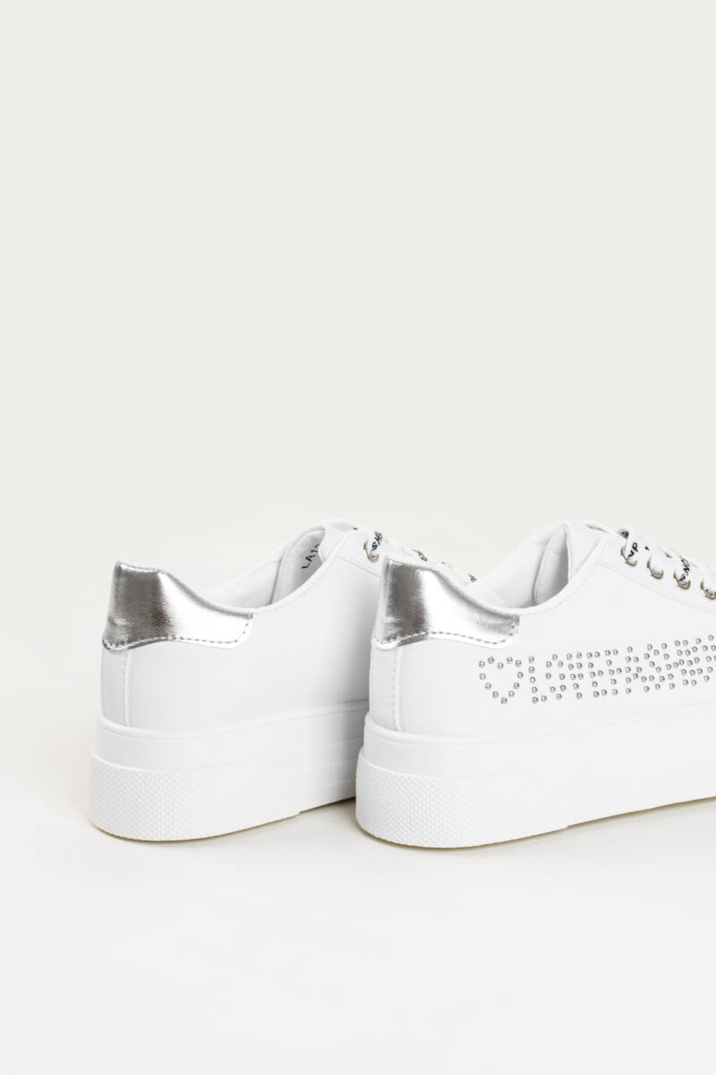Fehér Vastagtalpú Műbőr, Szegecsekkel Kirakott Női Sportcipő