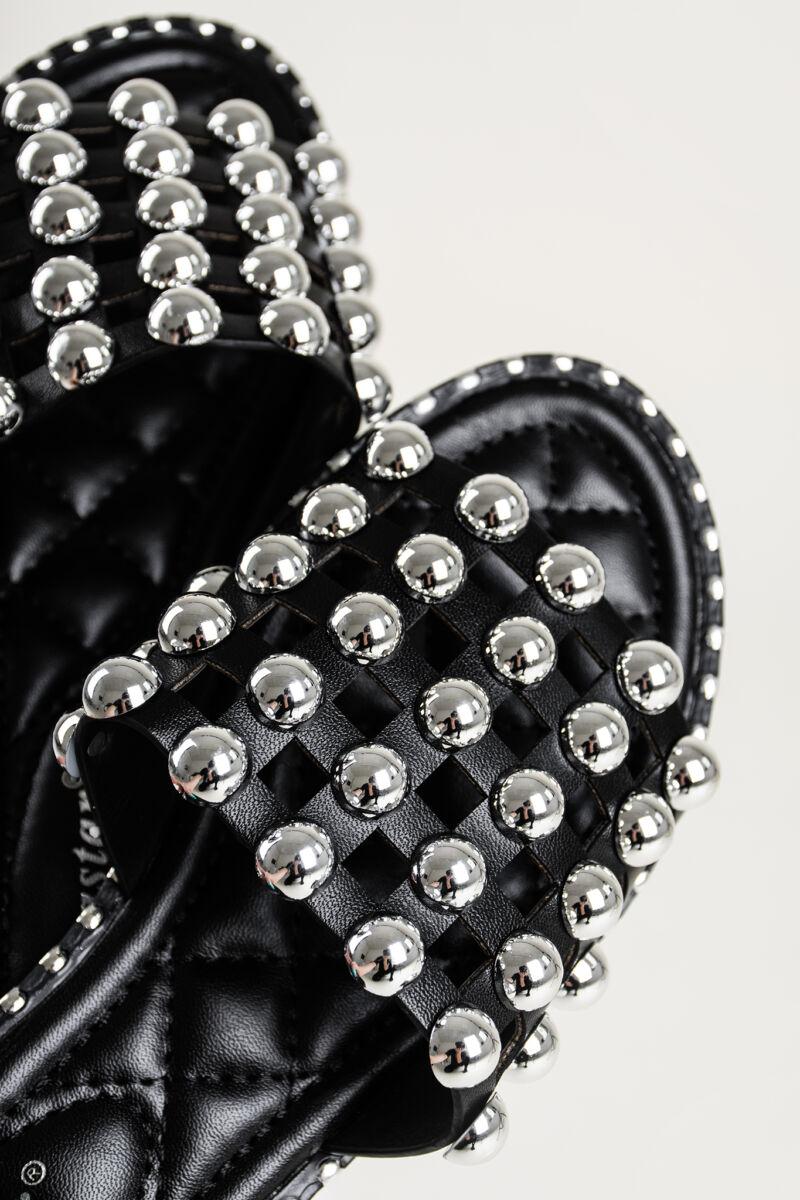 Fekete Nagyméretű Gyöngyökkel Elegáns Női Műbőr Papucs