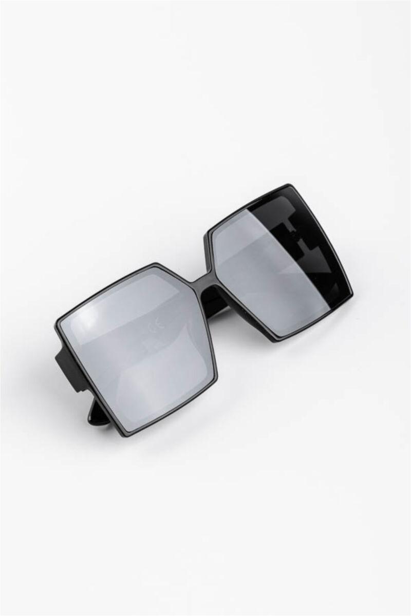 A & ONE Fekete Nagy Méretű Szögletes Műanyag Keretes Napszemüveg
