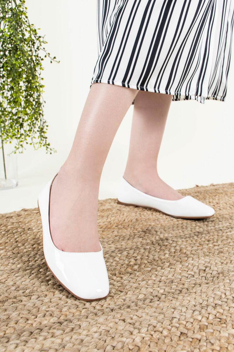 Női Fehér Lakk Fekete Szegélyű Masnis Balerina Cipő